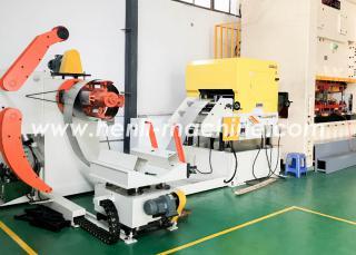 三合一送料机在汽车行业中的运用