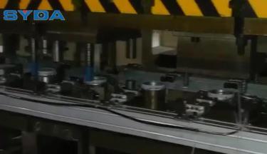 三次元机械手拉伸自动化