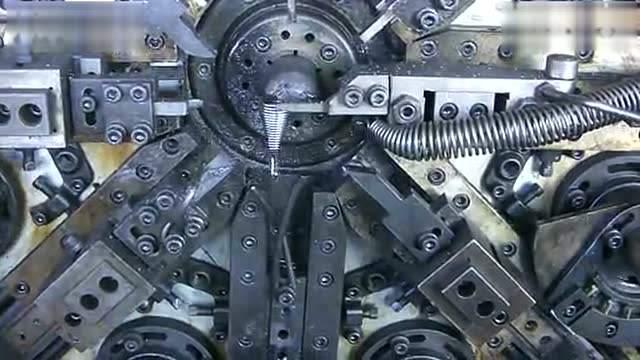 弹簧机应当怎样进行保养维护?